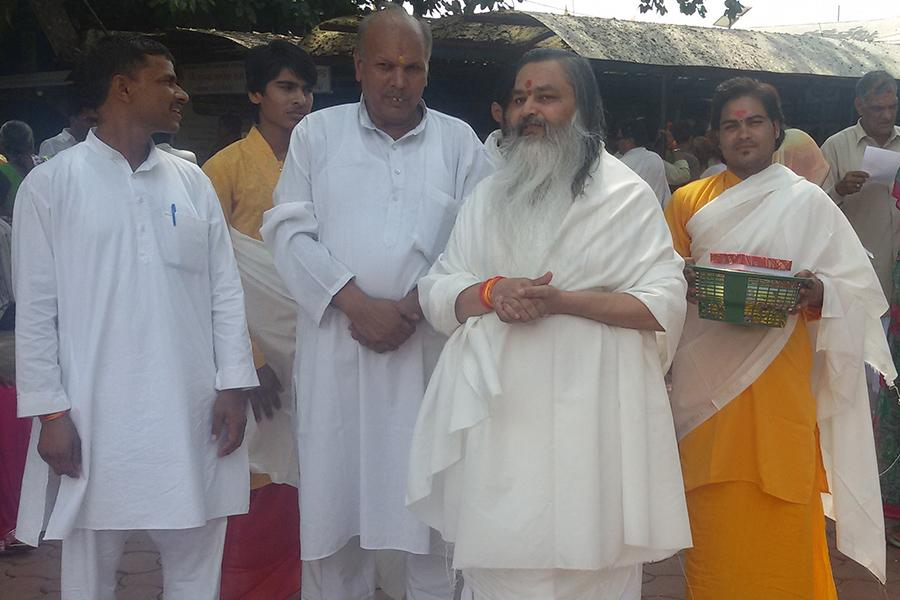 Brahmachari Girish Ji visited Jyotirling Mahakaleshwar Ujjain in March 2015
